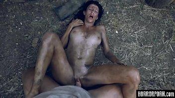 Porno com terror - Monstro da floresta